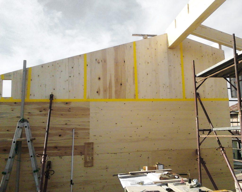 Case prefabbricate in legno lamellare x-lam